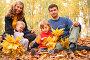 Семья в осеннем парке, фото № 811058, снято 28 ноября 2014 г. (c) Losevsky Pavel / Фотобанк Лори