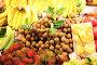Продуктовый рынок в Тайланде. Фрукты, овощи, морепродукты, фото № 1444818, снято 17 января 2010 г. (c) Сергей Антонов / Фотобанк Лори