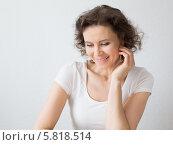 Счастливая женщина среднего возраста, фото № 5818514, снято 15 апреля 2014 г. (c) Архипова Мария / Фотобанк Лори