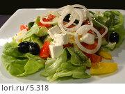 Купить «Греческий салат», фото № 5318, снято 4 мая 2006 г. (c) Юлия Яковлева / Фотобанк Лори