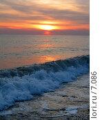 Купить «Набегающая волна», фото № 7086, снято 18 августа 2018 г. (c) SummeRain / Фотобанк Лори