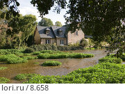 Купить «Франция. Нормандия. Речка в деревушке Вель-ле-Роз», фото № 8658, снято 20 октября 2005 г. (c) Валерий Ситников / Фотобанк Лори