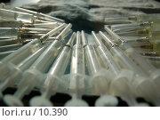 Шприцы с растворами лекарственных препаратов. Подготовка к инъекциям. Стоковое фото, фотограф Типикин Дмитрий / Фотобанк Лори