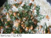 Купить «Жареные лисички в сметане с укропом (вид сверху)», фото № 12470, снято 26 мая 2006 г. (c) Лисовская Наталья / Фотобанк Лори