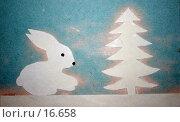 Купить «Детская аппликация: заяц под елкой», иллюстрация № 16658 (c) SummeRain / Фотобанк Лори