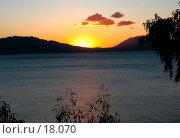Купить «Закат на море», фото № 18070, снято 4 ноября 2006 г. (c) Маргарита Лир / Фотобанк Лори