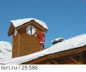 Купить «Надо верить в чудеса! (Санта-Клаус лезет на дымовую трубу)», фото № 29586, снято 9 января 2003 г. (c) Fro / Фотобанк Лори