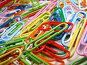 Цветные канцелярские скрепки, фото № 31290, снято 15 декабря 2006 г. (c) Крупнов Денис / Фотобанк Лори