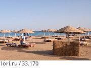 Купить «Пляж с зонтиками», фото № 33170, снято 13 февраля 2007 г. (c) Golden_Tulip / Фотобанк Лори
