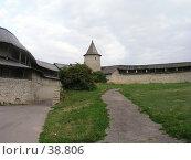 Купить «Крепостные стены, башни и 'захаб' в Кремле, г. Псков», фото № 38806, снято 2 июля 2020 г. (c) Элеонора Лукина (GenuineLera) / Фотобанк Лори