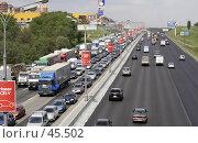 Купить «Пробка на МКАД», фото № 45502, снято 22 мая 2007 г. (c) Андрей Ерофеев / Фотобанк Лори