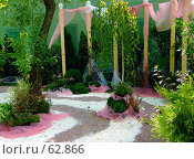 """Купить «Дворик. """"Неделя садов"""". Ландшафтный дизайн.», фото № 62866, снято 17 июля 2007 г. (c) Тим Казаков / Фотобанк Лори"""