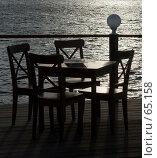 Купить «Кафе у воды», фото № 65158, снято 6 июня 2007 г. (c) Михаил Браво / Фотобанк Лори