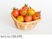 Купить «Корзина с помидорами черри», фото № 68478, снято 19 марта 2019 г. (c) SummeRain / Фотобанк Лори