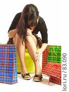 Купить «Девушка с пакетами», фото № 83090, снято 14 мая 2007 г. (c) Андрей Армягов / Фотобанк Лори