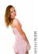 Купить «Красивая девушка в летнем сарафане», фото № 90830, снято 26 июля 2007 г. (c) Валерия Потапова / Фотобанк Лори