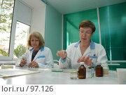 Купить «Лабораторные исследования», фото № 97126, снято 31 мая 2005 г. (c) Владимир Власов / Фотобанк Лори