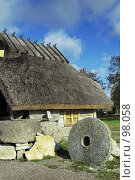 Купить «Древние каменные жернова», фото № 98058, снято 14 декабря 2019 г. (c) Игорь Соколов / Фотобанк Лори