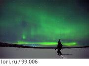 Купить «Дотронуться до северного сияния», фото № 99006, снято 13 ноября 2019 г. (c) Ахметсафин Руслан / Фотобанк Лори