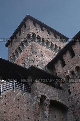 Купить «Милан. Замок Сфорцеско», фото № 109646, снято 3 июня 2007 г. (c) Сергей Лисов / Фотобанк Лори