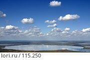 Купить «Кучевые облака над озером с высоты полета птицы», фото № 115250, снято 22 сентября 2019 г. (c) Владимир Мельников / Фотобанк Лори