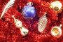 Рождественские елочные игрушки, фото № 117782, снято 21 июля 2017 г. (c) Угоренков Александр / Фотобанк Лори