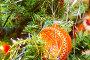 Новогодний фон с оранжевым шариком, фото № 117954, снято 6 января 2007 г. (c) Валентин Мосичев / Фотобанк Лори