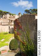 Купить «Испания, Тосса де Мар, жилой квартал внутри старых крепостных стен», фото № 124090, снято 20 августа 2007 г. (c) Александр Соболев / Фотобанк Лори