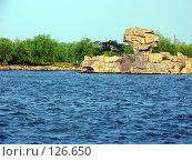 Камень у реки. Стоковое фото, фотограф A.Козырева / Фотобанк Лори
