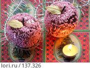 Купить «Стеклянные яблоки», фото № 137326, снято 4 декабря 2007 г. (c) Parmenov Pavel / Фотобанк Лори