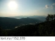 Купить «Палящее солнце над горами в дымке. Плато Лаго-Наки. Кавказский заповедник», фото № 152370, снято 10 августа 2007 г. (c) Петухов Геннадий / Фотобанк Лори