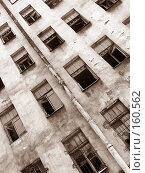 Купить «Заброшенное здание, питерский двор», фото № 160562, снято 20 февраля 2005 г. (c) Андрей Ганичев / Фотобанк Лори