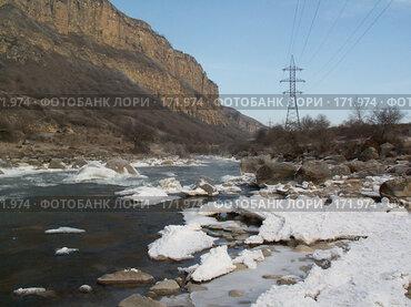 Купить «Река Баксан», фото № 171974, снято 5 января 2008 г. (c) Гуменюк Алексей / Фотобанк Лори