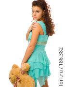 Купить «Девушка с игрушкой», фото № 186382, снято 23 декабря 2007 г. (c) Валентин Мосичев / Фотобанк Лори