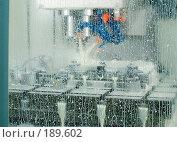 Купить «Трех координатная обработка детали на обрабатывающем центре с ЧПУ», эксклюзивное фото № 189602, снято 24 января 2008 г. (c) Алина Голышева / Фотобанк Лори