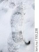 Купить «След ботинка на снегу», фото № 193238, снято 2 февраля 2008 г. (c) Елена Прокопова / Фотобанк Лори