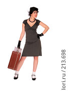 Купить «Девушка с чемоданом», фото № 213698, снято 26 февраля 2008 г. (c) Vdovina Elena / Фотобанк Лори