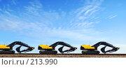 Купить «Экскаваторы на рельсах», фото № 213990, снято 5 января 2008 г. (c) Анатолий Теребенин / Фотобанк Лори