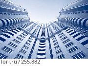 Купить «Многоярусное современное здание», фото № 255882, снято 9 октября 2007 г. (c) Андрей Чмелёв / Фотобанк Лори