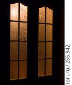 Купить «Закрытые двери», фото № 255942, снято 6 апреля 2008 г. (c) Хижняк Сергей / Фотобанк Лори