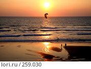 Купить «Французский атлантический курортный город Биарриц. Океан. Закат», фото № 259030, снято 23 июля 2006 г. (c) Татьяна Лата / Фотобанк Лори