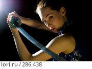 Купить «Девушка с мечом», фото № 286438, снято 17 марта 2008 г. (c) Константин Юганов / Фотобанк Лори