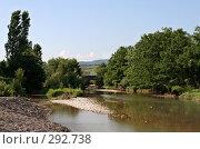 Купить «Обмелевшая речка, текущая с гор», фото № 292738, снято 4 июля 2007 г. (c) Татьяна Нафикова / Фотобанк Лори