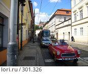 Купить «На улицах Праги раритетное авто», фото № 301326, снято 25 августа 2006 г. (c) Александр Пашкин / Фотобанк Лори