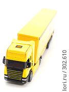 Купить «Желтый грузовик», фото № 302610, снято 27 мая 2008 г. (c) Угоренков Александр / Фотобанк Лори