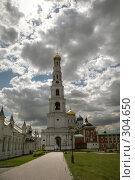 Купить «Николо-Угрешский монастырь - колокольня», фото № 304650, снято 24 апреля 2018 г. (c) Олег Титов / Фотобанк Лори