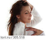 Купить «Задумчивая девушка в образе ангела», фото № 305518, снято 31 мая 2008 г. (c) Наталья Белотелова / Фотобанк Лори