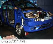 Купить «Автомобиль в разрезе», фото № 311478, снято 29 апреля 2007 г. (c) Хижняк Сергей / Фотобанк Лори