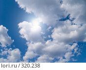 Купить «Небо с облаками и солнечным бликом», фото № 320238, снято 26 апреля 2008 г. (c) Алексей Пантелеев / Фотобанк Лори