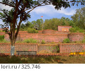 Купить «Старинный форт», фото № 325746, снято 21 октября 2018 г. (c) М / Фотобанк Лори